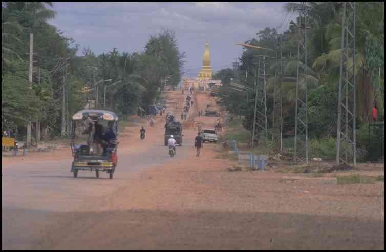 Street to ThardLuang, Vientiane City